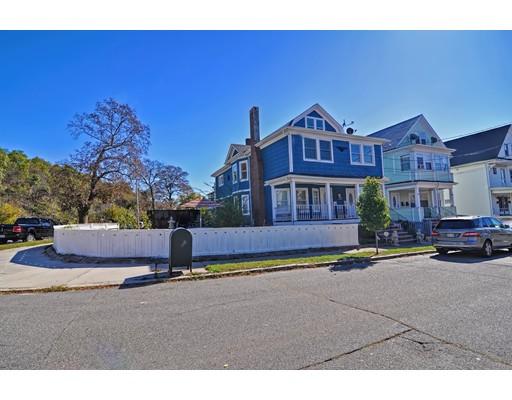 متعددة للعائلات الرئيسية للـ Sale في 73 Almont Street 73 Almont Street Medford, Massachusetts 02155 United States