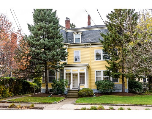 共管式独立产权公寓 为 销售 在 120 Church Street #2 120 Church Street #2 牛顿, 马萨诸塞州 02458 美国