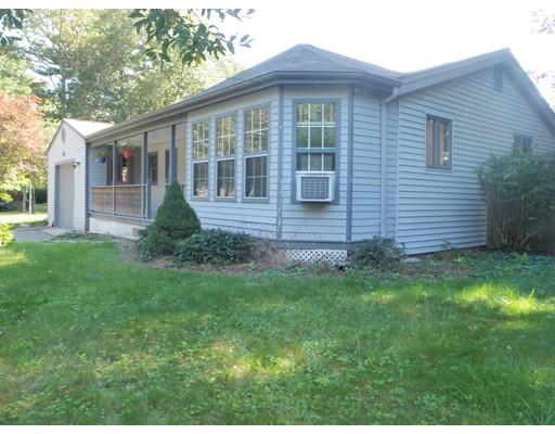 واحد منزل الأسرة للـ Sale في 11 Madison Road 11 Madison Road Halifax, Massachusetts 02338 United States