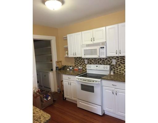 Appartement en copropriété pour l à louer à 1208 Chestnut St #1208 1208 Chestnut St #1208 Newton, Massachusetts 02464 États-Unis