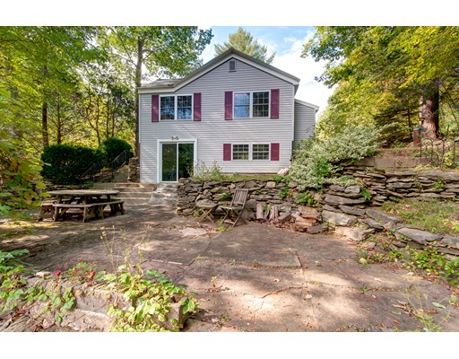 واحد منزل الأسرة للـ Sale في 181 Nugget Drive 181 Nugget Drive Charlton, Massachusetts 01507 United States