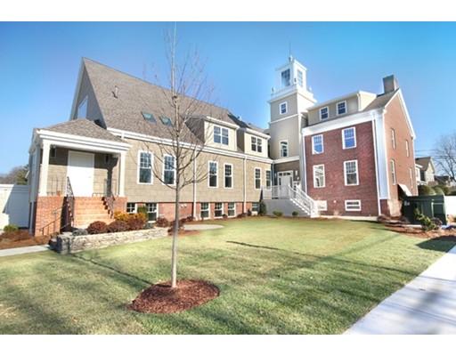 Single Family Home for Rent at 99 Essex Street 99 Essex Street Melrose, Massachusetts 02176 United States