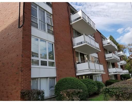 Casa Unifamiliar por un Alquiler en 50 Park Street Brookline, Massachusetts 02446 Estados Unidos
