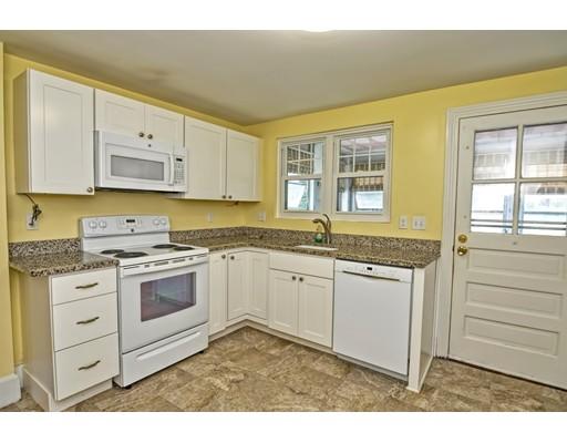 Частный односемейный дом для того Продажа на 383 Eliot Street 383 Eliot Street Ashland, Массачусетс 01721 Соединенные Штаты