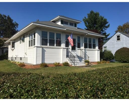 独户住宅 为 销售 在 510 Pleasant Street 510 Pleasant Street Dracut, 马萨诸塞州 01826 美国