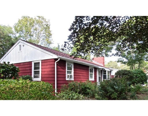 Casa Unifamiliar por un Venta en 51 Clay Pond Bourne, Massachusetts 02532 Estados Unidos