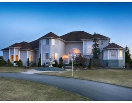 Single Family Home for Sale at 17 Alexandra Drive 17 Alexandra Drive Freetown, Massachusetts 02702 United States
