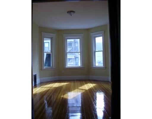 独户住宅 为 出租 在 36 Street. Margaret Street 波士顿, 马萨诸塞州 02125 美国