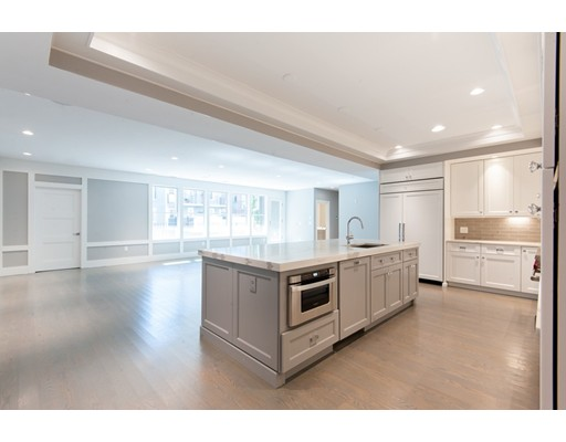Additional photo for property listing at 621 East 1st  Boston, Massachusetts 02127 United States