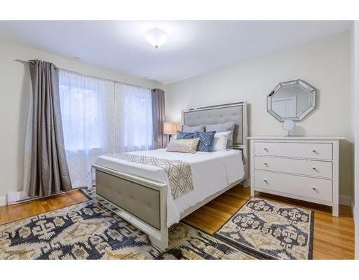 独户住宅 为 出租 在 2 Walsh Place 波士顿, 马萨诸塞州 02109 美国