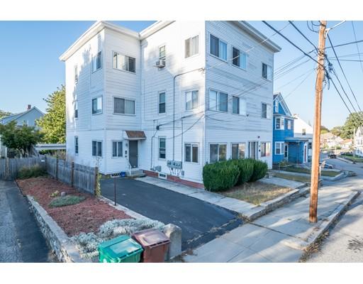 Многосемейный дом для того Продажа на 163 Bernice Avenue 163 Bernice Avenue Woonsocket, Род-Айленд 02895 Соединенные Штаты