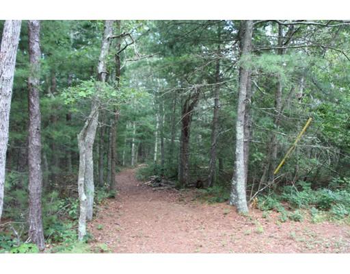Terrain pour l Vente à Address Not Available Bourne, Massachusetts 02559 États-Unis