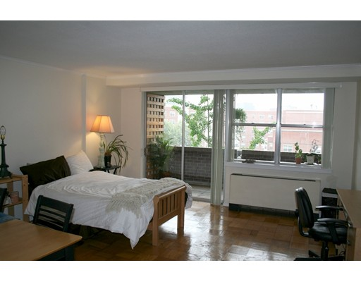 شقة بعمارة للـ Rent في 9 Hawthorne Place #8G 9 Hawthorne Place #8G Boston, Massachusetts 02114 United States