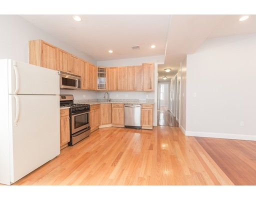 Additional photo for property listing at 194 Marion Street  Boston, Massachusetts 02128 Estados Unidos