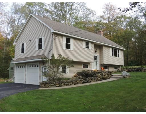 واحد منزل الأسرة للـ Sale في 52 Ayers Road 52 Ayers Road Monson, Massachusetts 01057 United States