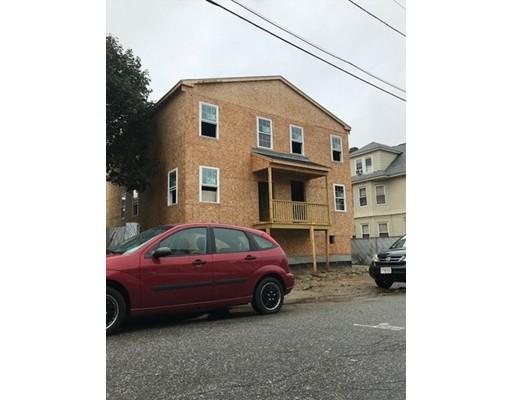 多户住宅 为 销售 在 10 Warwick Street 10 Warwick Street Lawrence, 马萨诸塞州 01841 美国