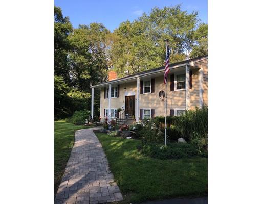 واحد منزل الأسرة للـ Sale في 23 Greenwood Road 23 Greenwood Road Canton, Massachusetts 02021 United States