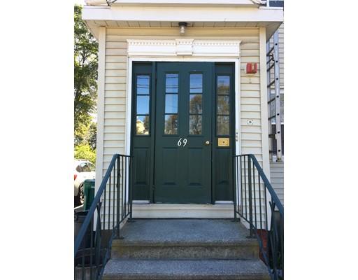 独户住宅 为 出租 在 69 Peck Street 69 Peck Street Attleboro, 马萨诸塞州 02703 美国