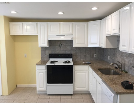 独户住宅 为 出租 在 163 Lincoln Avenue Saugus, 马萨诸塞州 01906 美国