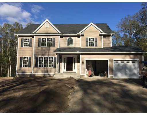 Casa Unifamiliar por un Venta en 163 Town Farm Road 163 Town Farm Road Monson, Massachusetts 01057 Estados Unidos