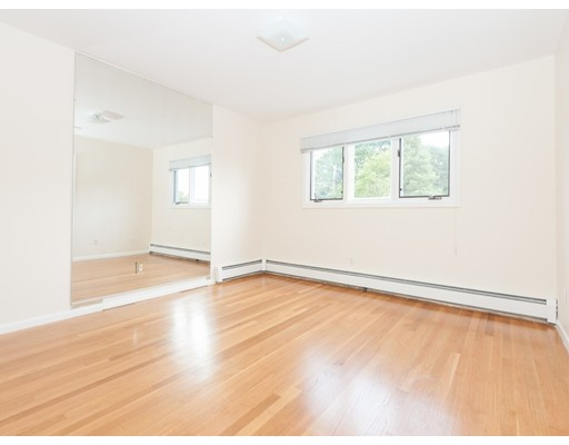 Single Family Home for Sale at 16 GRACE Road 16 GRACE Road Newton, Massachusetts 02459 United States