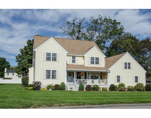 Single Family Home for Sale at 3 Drummond Court 3 Drummond Court Danvers, Massachusetts 01923 United States