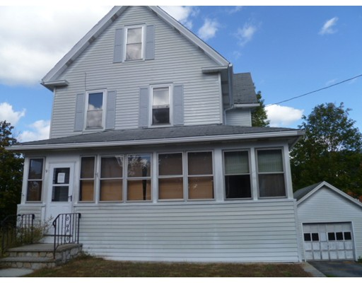 Casa Unifamiliar por un Venta en 9 Clifford Avenue Ware, Massachusetts 01082 Estados Unidos