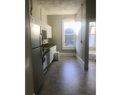 独户住宅 为 出租 在 100 Cabot Street 贝弗利, 马萨诸塞州 01915 美国