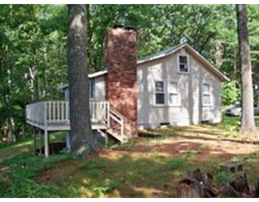 Single Family Home for Rent at 5 Brooks Pond Point Road 5 Brooks Pond Point Road North Brookfield, Massachusetts 01535 United States