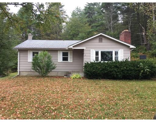 Частный односемейный дом для того Продажа на 393 Stebbins 393 Stebbins Belchertown, Массачусетс 01007 Соединенные Штаты
