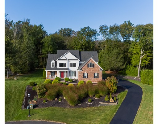 واحد منزل الأسرة للـ Sale في 11 Pondview Lane 11 Pondview Lane Southwick, Massachusetts 01077 United States
