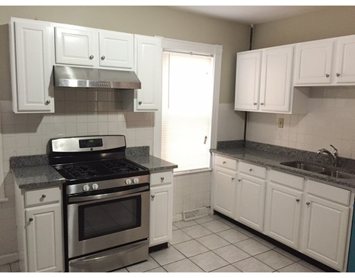 Additional photo for property listing at 9 Taft #1 9 Taft #1 Boston, Массачусетс 02125 Соединенные Штаты