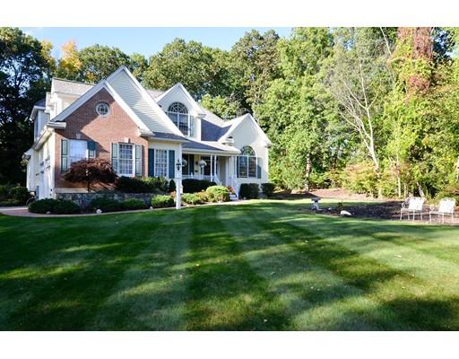 واحد منزل الأسرة للـ Sale في 43 Pine Hill Road 43 Pine Hill Road Chelmsford, Massachusetts 01824 United States