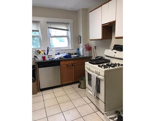 Apartamento por un Alquiler en 264 Foster St. #1 264 Foster St. #1 Boston, Massachusetts 02135 Estados Unidos