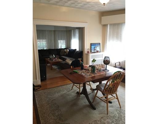 公寓 为 出租 在 11 Burget Ave #1 11 Burget Ave #1 梅福德, 马萨诸塞州 02155 美国
