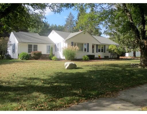 Casa Unifamiliar por un Venta en 127 Pleasant 127 Pleasant Northborough, Massachusetts 01532 Estados Unidos