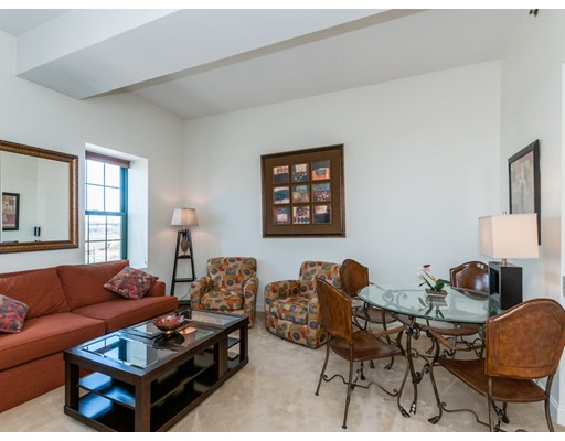 Casa Unifamiliar por un Alquiler en 150 Cambridge Street Cambridge, Massachusetts 02141 Estados Unidos