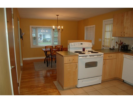 Single Family Home for Sale at 1606 Great Plain Avenue 1606 Great Plain Avenue Needham, Massachusetts 02492 United States