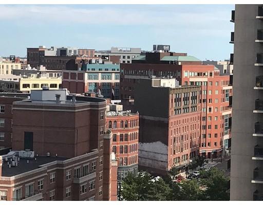Casa Unifamiliar por un Alquiler en 2 Hawthorne Place Boston, Massachusetts 02114 Estados Unidos
