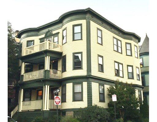 Mehrfamilienhaus für Verkauf beim 132 Paul Gore Street 132 Paul Gore Street Boston, Massachusetts 02130 Vereinigte Staaten