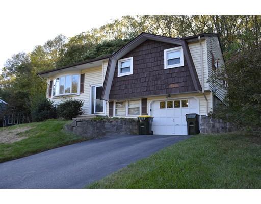 独户住宅 为 销售 在 12 Saddleback Hill Road 12 Saddleback Hill Road Bellingham, 马萨诸塞州 02019 美国