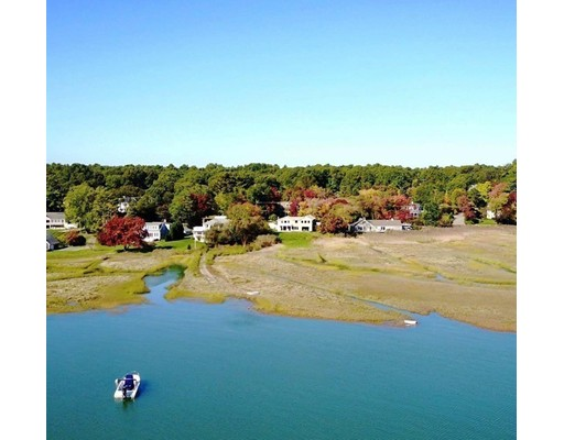 Single Family Home for Sale at 143 Bay Road 143 Bay Road Duxbury, Massachusetts 02332 United States