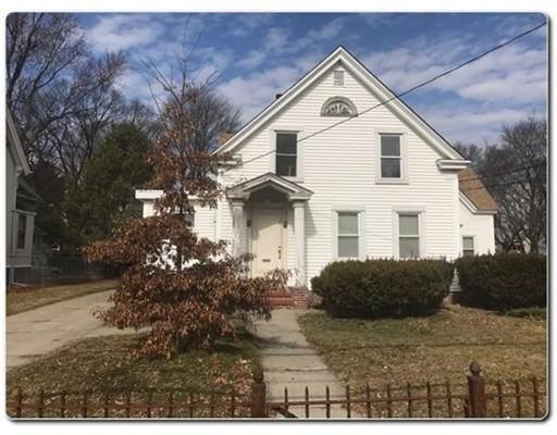 独户住宅 为 出租 在 43 W Britannia Street Taunton, 02780 美国