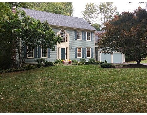 Single Family Home for Sale at 9 Treetop Circle Northborough, 01532 United States
