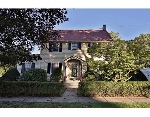 واحد منزل الأسرة للـ Sale في 71 Orient Avenue 71 Orient Avenue Melrose, Massachusetts 02176 United States
