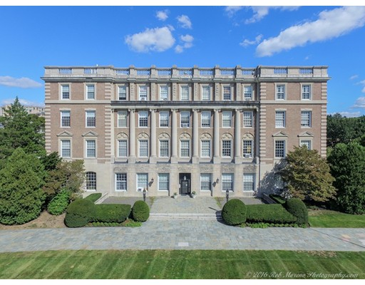Appartement en copropriété pour l Vente à 16 Balmoral Street 16 Balmoral Street Andover, Massachusetts 01810 États-Unis