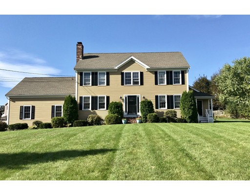 Single Family Home for Sale at 100 Robin Road 100 Robin Road Bridgewater, Massachusetts 02324 United States