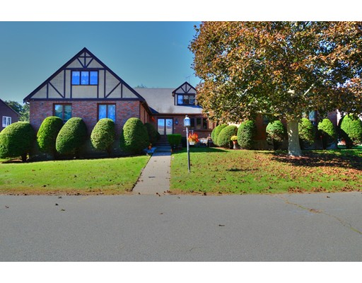 Additional photo for property listing at 10 Cabot Road 10 Cabot Road Stoneham, Массачусетс 02180 Соединенные Штаты