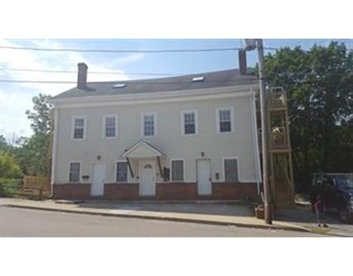 Частный односемейный дом для того Аренда на 95 Canal Street 95 Canal Street Blackstone, Массачусетс 01504 Соединенные Штаты