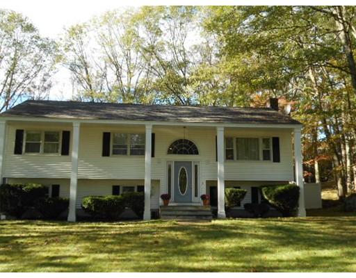 Maison unifamiliale pour l Vente à 15 Briar Drive 15 Briar Drive Milford, Massachusetts 01757 États-Unis